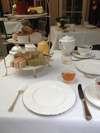 The Chesterfield Mayfair: The Afternoon Bee