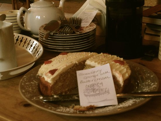 Chalet Annabelle: Welcoming cake after a hard day in the saddle!