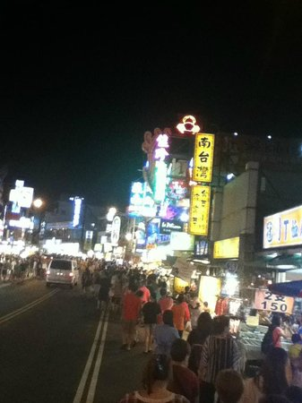 Kending Street Night Market