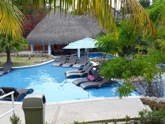 Sheraton Bijao Beach Resort : Pool area
