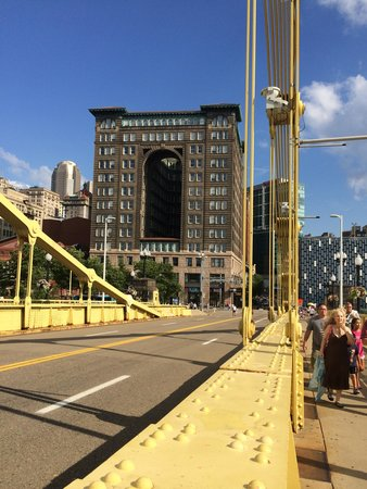 Renaissance Pittsburgh Hotel: View from the Roberto Clemente Bridge