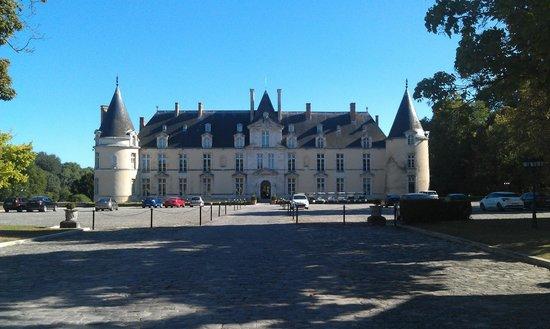 Chateau d'Augerville: Beautiful chateau