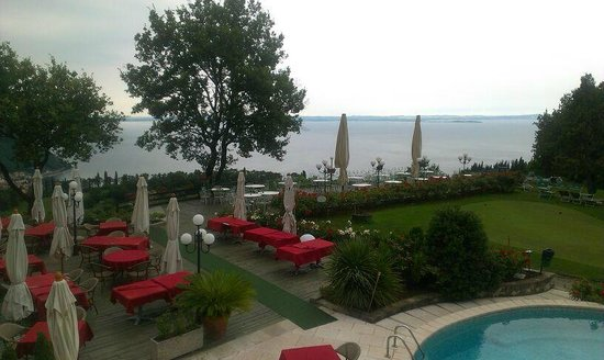 Golf Hotel Ca' Degli Ulivi: vista lago