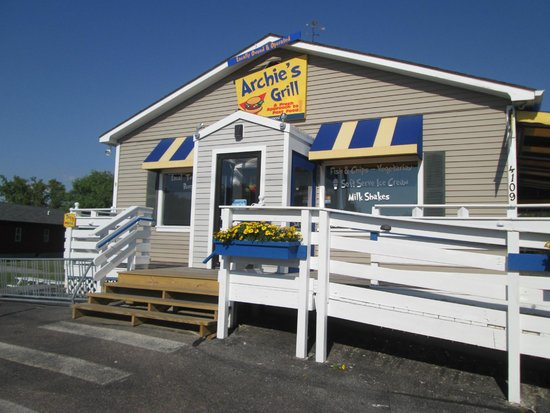 Archie's Grill, Rt 7 (Shelburne Road)