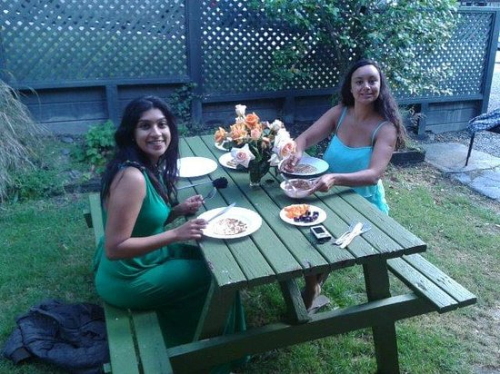 Pinewood Lodge: Wonderful Pinewood Accommodation, A home away from home