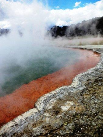 Wai-O-Tapu Thermal Wonderland: Lake