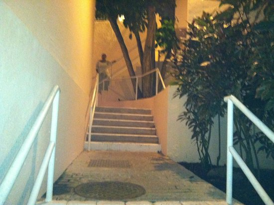 Elysian Beach Resort: Catch the stairs instead of walking downhill