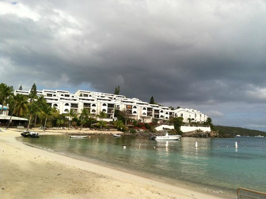 Elysian Beach Resort: Comfortable beach area