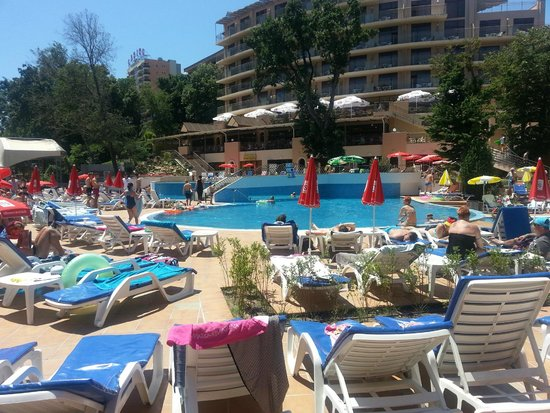 Kristal Hotel: by the pool!!