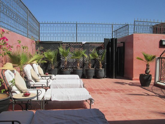 Riad Elizabeth: The rooftop - perfect for sunbathing!