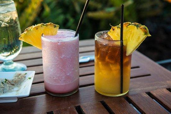 Kamuela Provision Company : Pink Orchid and Mai Tai