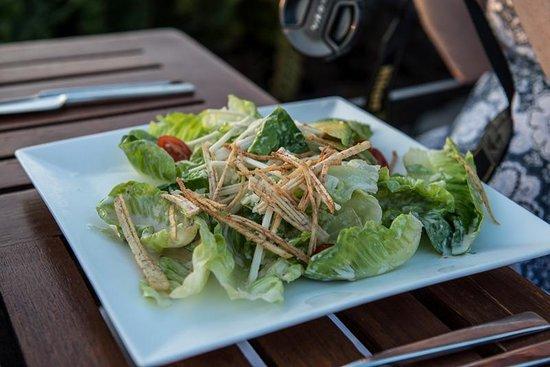 Kamuela Provision Company : Saesar Salad