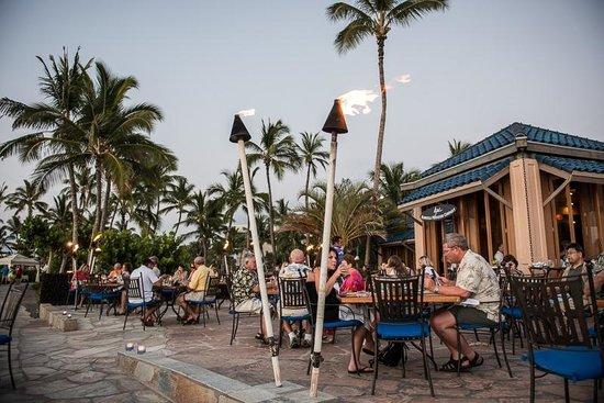 Kamuela Provision Company : Outdoor dining area