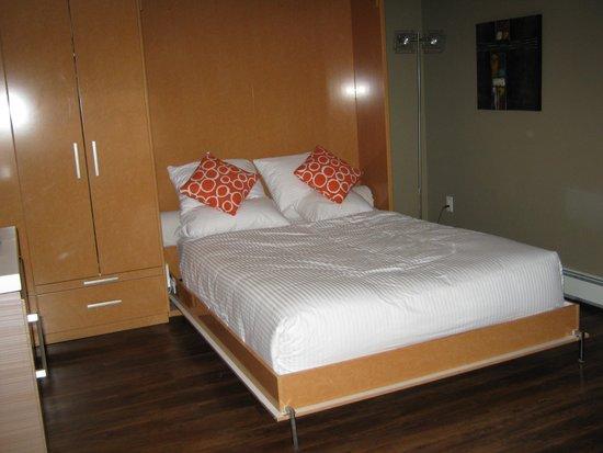 Nuvo Hotel Suites: Comfy bed
