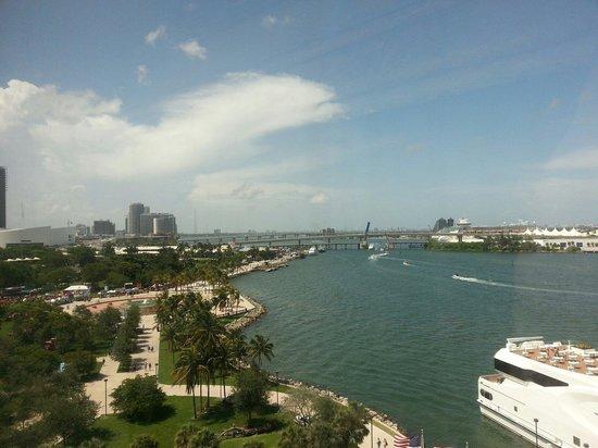 InterContinental Miami: Bay View aus dem 8. Stock