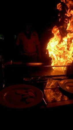 Sapporo Teppanyaki - Manchester : Flaming the table