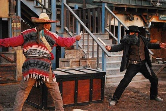 Knife Fight !!!!! - Picture of Pistoleros Wild West Show