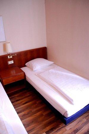 Single Room - Foto di Mercure Hotel Frankfurt City Messe, Francoforte ...