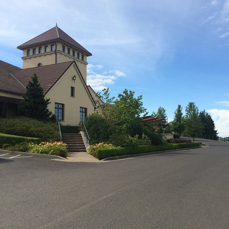 King Estate Winery: The winery