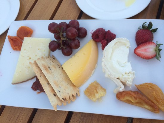 King Estate Winery: Cheese tray appetizer