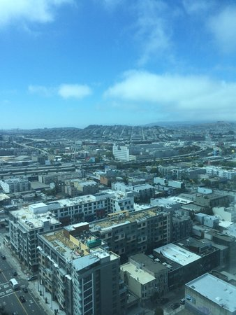 InterContinental San Francisco: Great view from 28th floor.