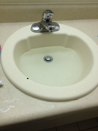 Monumental MovieLand: Clogged sink