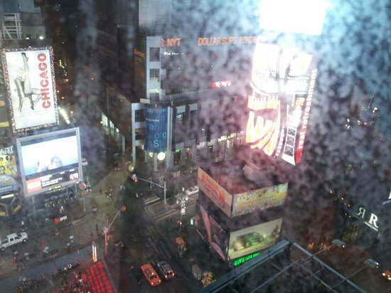 DoubleTree Suites by Hilton Hotel New York City - Times Square: View from our room, mind the rain