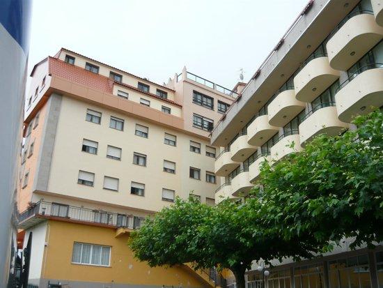 Hotel Ria Mar: vista de fuera del aparcamiento