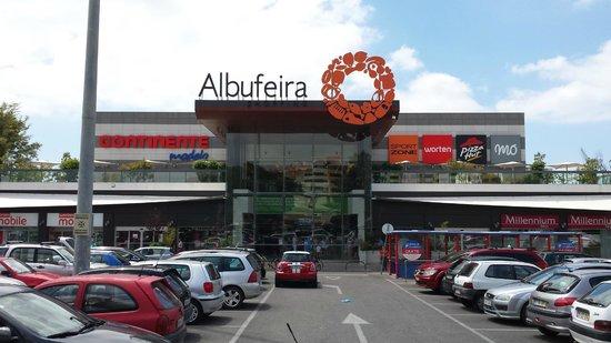 Hotel Paraiso de Albufeira: The local mall/ supermarket