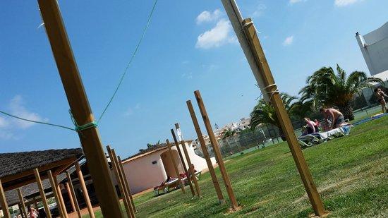 Hotel Paraíso de Albufeira : Pay-to-use shaded area