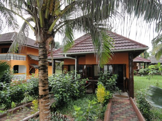 Mnarani Beach Cottages: a