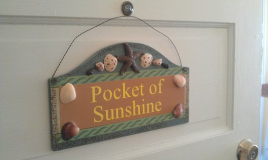 17th Street Inn: Pocket of Sunshine (Room #7)