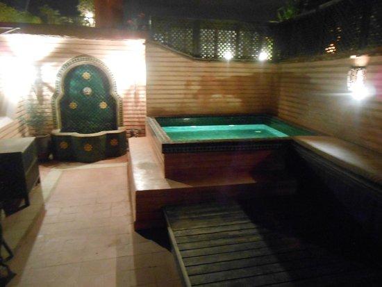 Riad Ilayka : La vasca idromassaggio