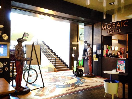 Mosaic House: Reception