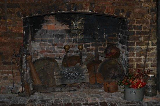 Wayside Inn : fireplace