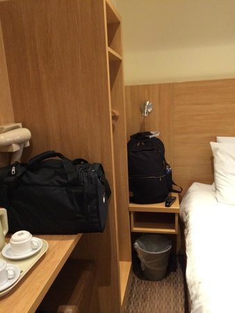 Comfort Inn Hyde Park : Painfully small