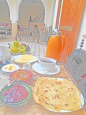 Riad Granvilier : Morning Breakfast