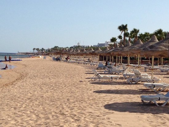 Baron Resort Sharm El Sheikh: Spotless clean beach at the baron resort