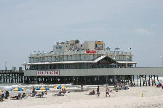 Sea Shells Beach Club: BOARDWALK