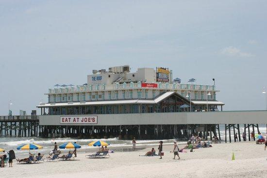 Sea Shells Beach Club : BOARDWALK