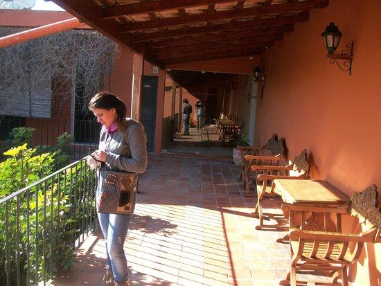 Hotel Beltran: Zona de pasaje y descanso en la planta alta