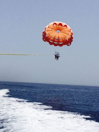 Na'ama Bay : Parasailing on the red sea