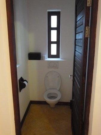 Kasha Boutique Luxury Hotel : Separate toilet