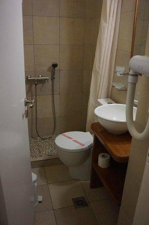Zorzis Hotel: Lovely bathroom