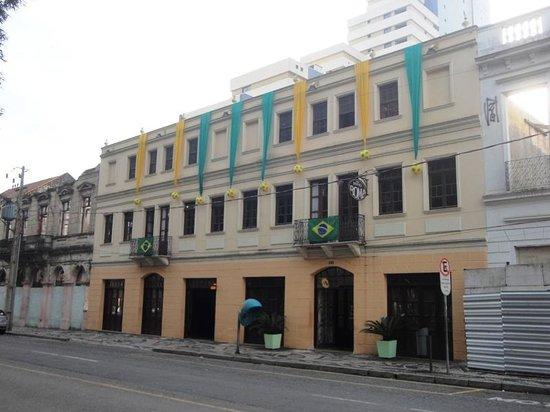 Hostel Roma Curitiba: Fachada do Hostel Roma