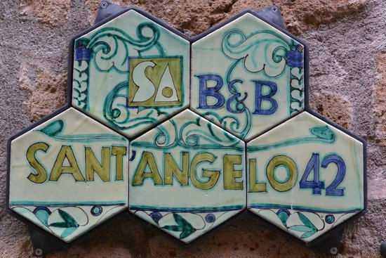 B&B Sant'Angelo 42: Hotel Sign