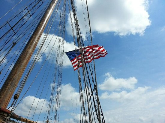 Pride of Baltimore II: July 4 visit in Baltimore