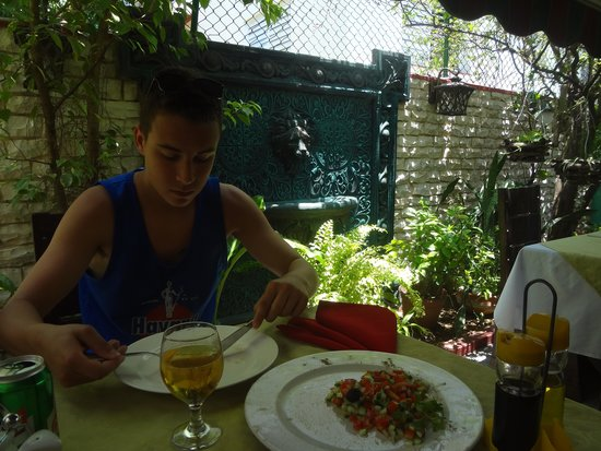 La Carboncita Paladar : Back Patio - Awesome Tomato and Cucumber Salad!