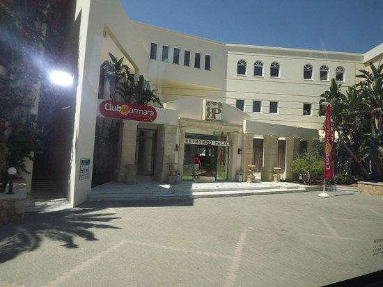 Rethymno Palace : La façade de l'hotel