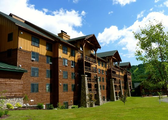 Hope Lake Lodge & Conference Center: Main Lodge building